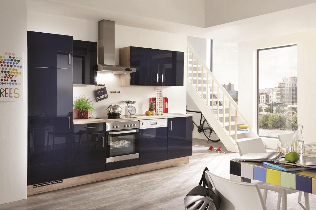 Malé kuchyne s obývačkou